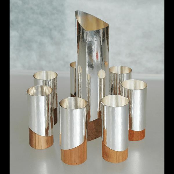 Weinservice aus Silber mit verschiedenen Hölzern