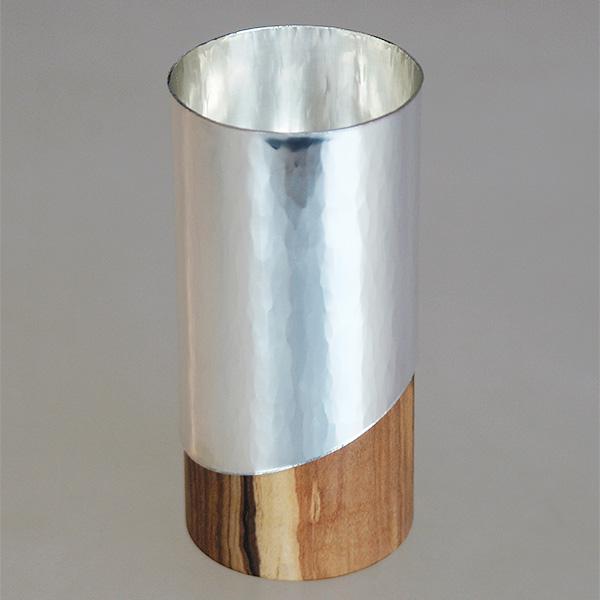 Weinbecher aus Silber und Olivenholz